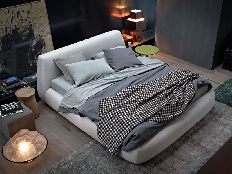 Big Bed de Paola Navone para Poliform