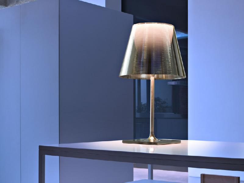 Lámpara de sobremesa KTribe T2 de Flos