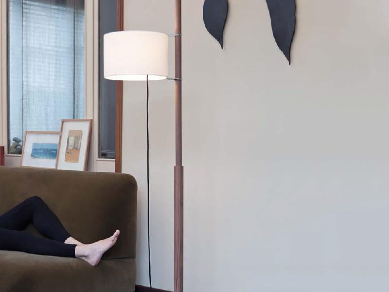 Lámpara de suelo/pie TMM de Miguel Milá para Santa & Cole