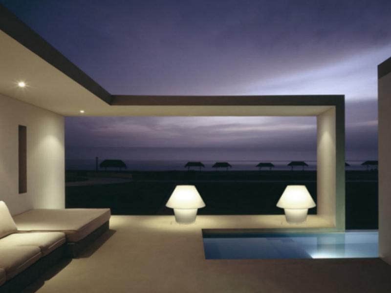 Iluminaci n exterior mobiliario de dise o en valladolid for Lamparas de exterior de diseno